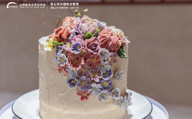 韩式豆沙裱花蛋糕作品