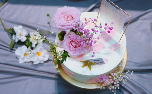 ins风简约鲜花蛋糕真的超级美!